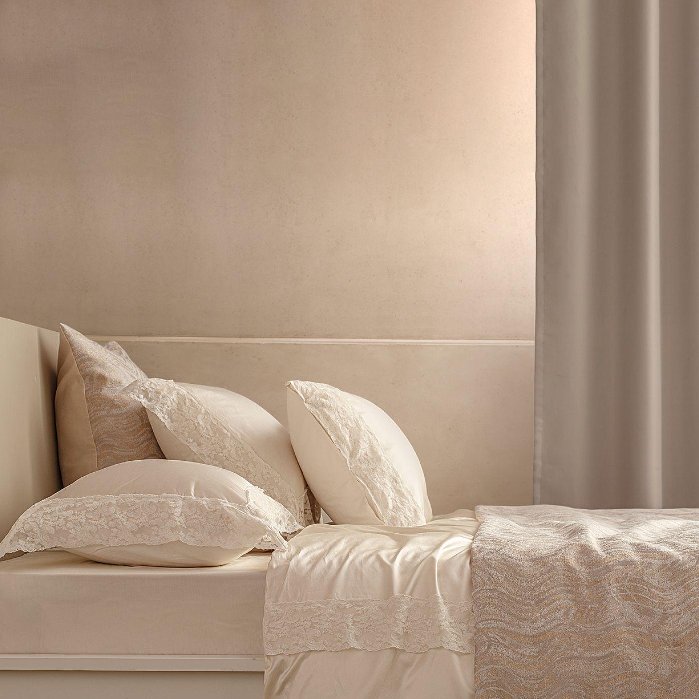 כיסוי מיטה RIONA