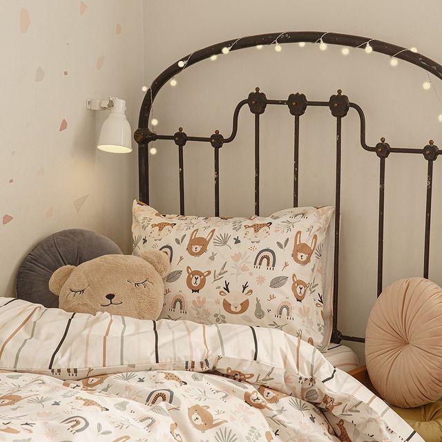 החדר של הילדים צריך רענון?  מלא פריטים שווים לחדר הילדים מחכים לכם עכשיו בחנויות ובאתר!